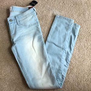 Hollister Pants - Hollister Ultimate Stretch Jegging
